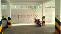 10NBU00433: Parking
