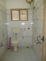 15A4U00377: Bathroom 2