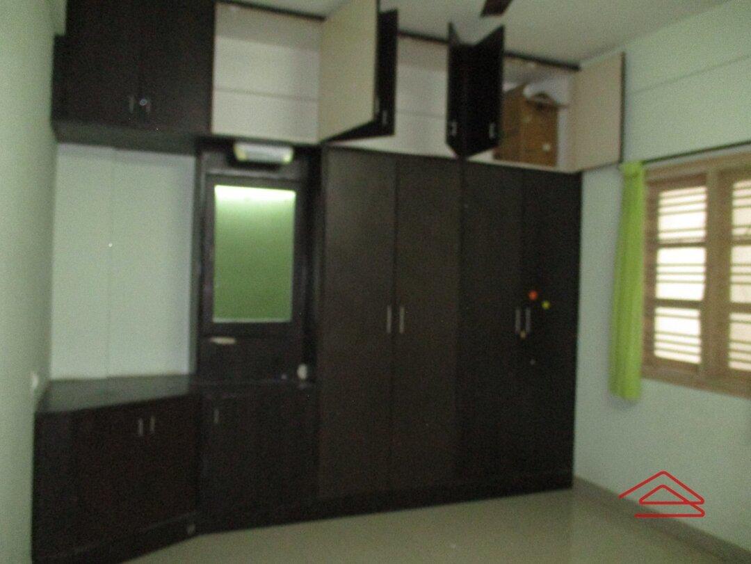 15A4U00377: Bedroom 1
