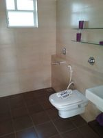 12J6U00222: Bathroom 2