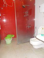 13J1U00224: Bathroom 4