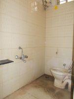 13J1U00224: Bathroom 1