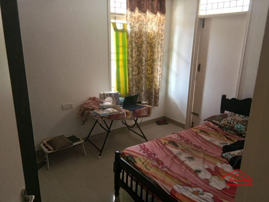 13M5U00712: Bedroom 1