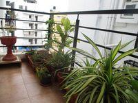 12J6U00423: Balcony 1