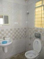 13DCU00104: Bathroom 1