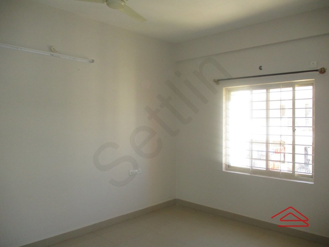 13DCU00104: Bedroom 1