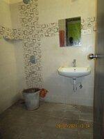 15J7U00442: Bathroom 1