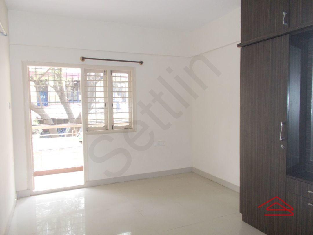 13M3U00001: Bedroom 1