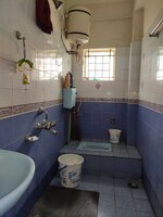 15A4U00303: Bathroom 2