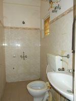 10J7U00278: Bathroom 2