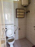 15F2U00431: Bathroom 1