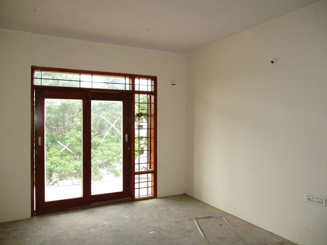 10J7U00035: Bedroom 1