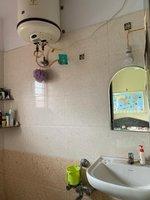14J6U00183: bathrooms 1