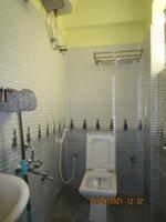 15S9U00942: Bathroom 3