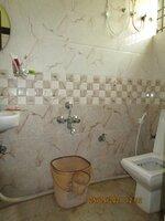 15S9U00942: Bathroom 1