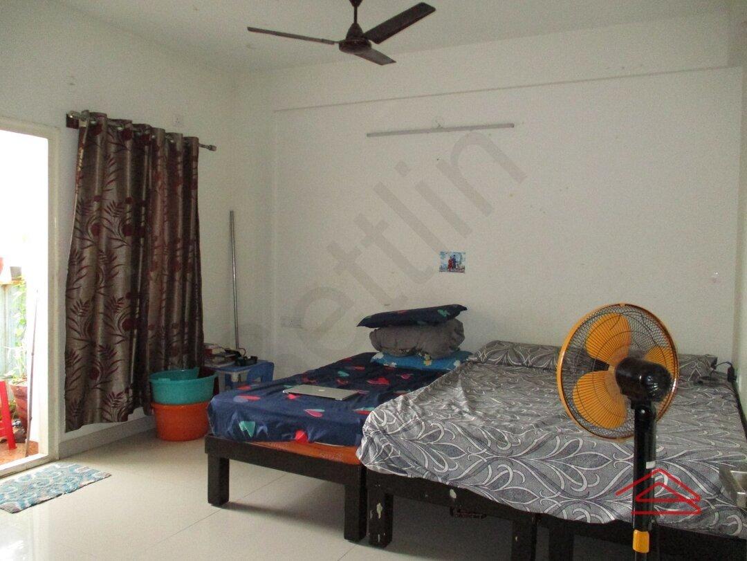 15S9U01088: Bedroom 1