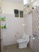 13M5U00123: Bathroom 2