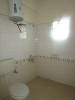 13M5U00110: Bathroom 1