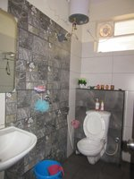 13OAU00323: Bathroom 1