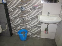 13OAU00323: Bathroom 2