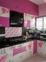 13OAU00323: Kitchen 1