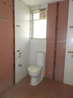 13J7U00278: Bathroom 1