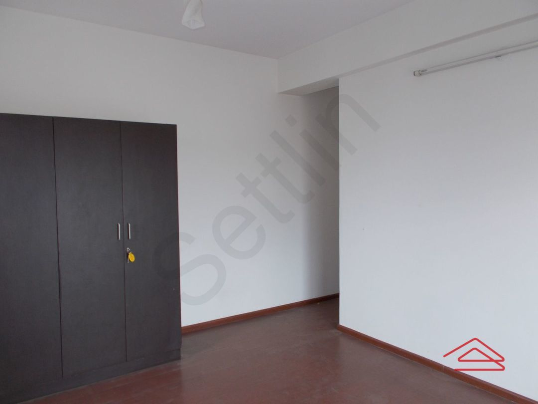 13J7U00278: Bedroom 1