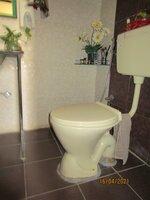 15F2U00363: Bathroom 1