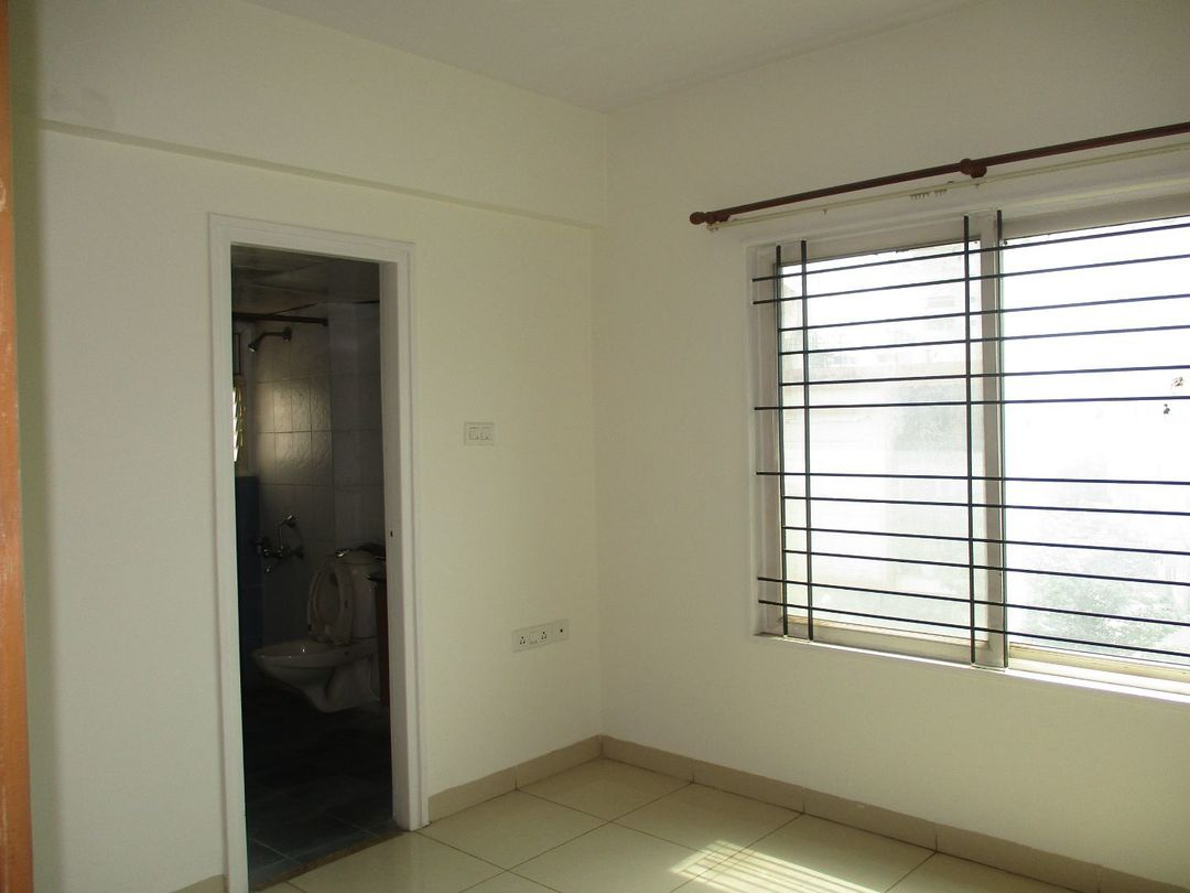 10J6U00555: Bedroom 1