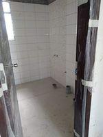 13J1U00113: Bathroom 2