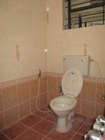 15F2U00358: Bathroom 2