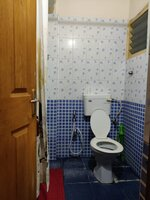 15OAU00126: Bathroom 2