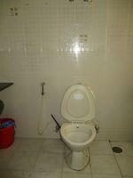 13J1U00111: Bathroom 2