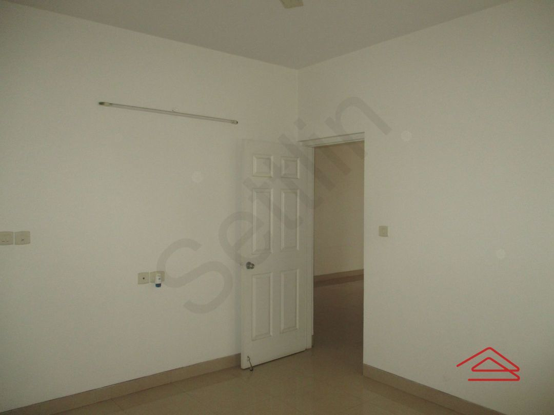 13J1U00111: Bedroom 1