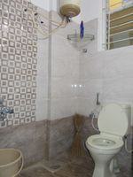 13M3U00128: Bathroom 2