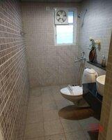 15J7U00207: Bathroom 1