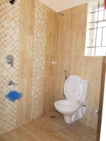 12OAU00081: Bathroom 1