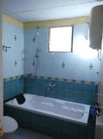 14F2U00052: Bathroom 2