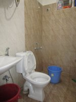 13NBU00281: Bathroom 2
