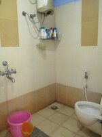 15J6U00030: Bathroom 1