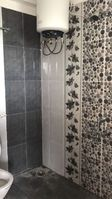 13A4U00079: Bathroom 3