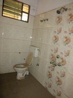 13A4U00011: Bathroom 1
