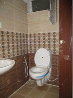 F023: Bathroom 1