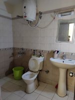 13DCU00005: Bathroom 2