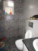 13OAU00365: Bathroom 3