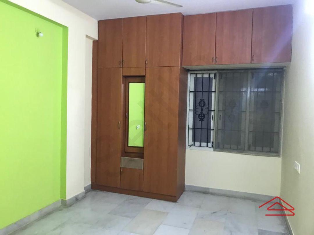 13F2U00299: Bedroom 1