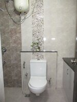 15J1U00309: Bathroom 3