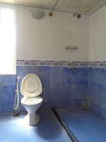 12OAU00226: Bathroom 2