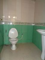 12OAU00226: Bathroom 4