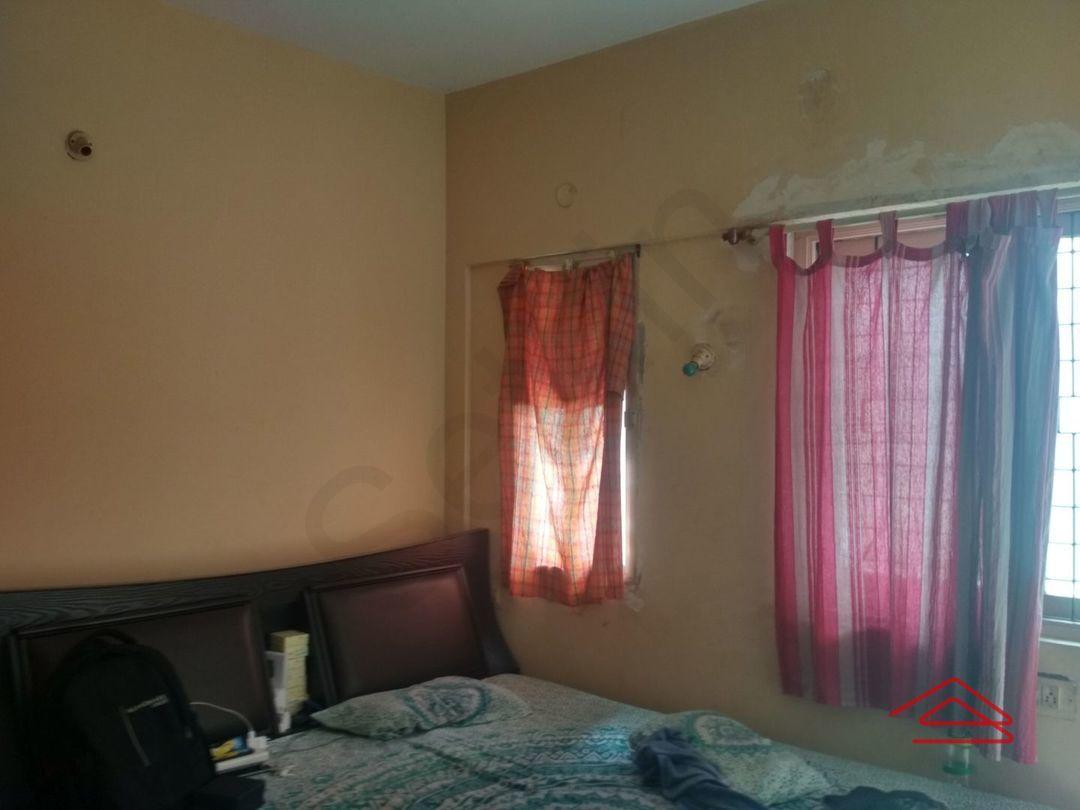 13J7U00005: Bedroom 1
